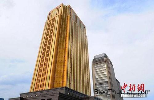 1439727032 1439717106 goldenbuilding 5 Lóa mắt với tòa nhà màu vàng chói lọi
