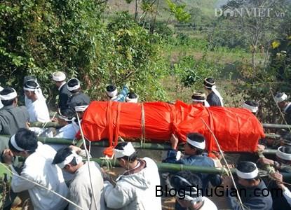 164137 f3 Tập tục lạ về an táng ở Việt Nam
