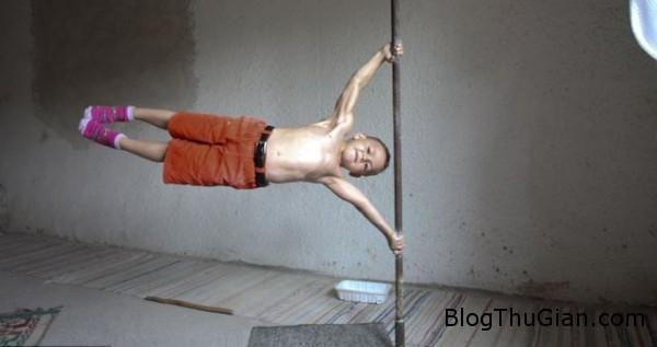 article 1321832 0BACA162000005 8819 7943 1401253900 Câu bé 9 tuổi có cơ bụng 6 múi