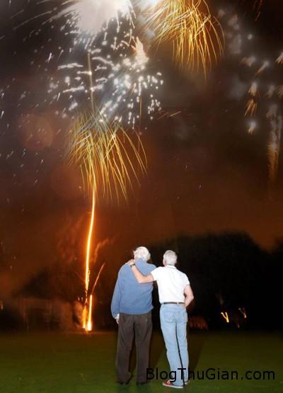firework 4367 1415157888 Trộn hài cốt vợ vào pháo hoa để tưởng nhớ