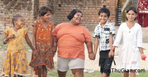 girl2 5277 1407228604 Bé gái Ấn Độ 9 tuổi nặng 92 kg