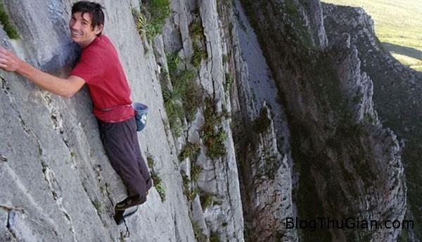 man 8068 1417228393 Chinh phục đỉnh núi cao hơn 700 m mà không cần dây an toàn