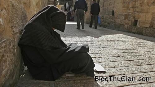 f576d32d d6a7 4bf8 bb6b ce98a0 7541 3485 1395394949 Cụ bà ăn xi với bản di chúc một triệu USD cho ngươi nghèo