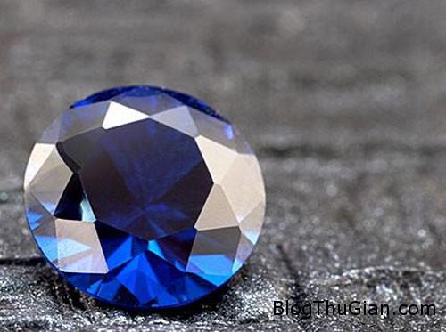 kim cuong2 8613 1387967573 Người cha nén tro cốt của con thành kim cương để tưởng nhớ