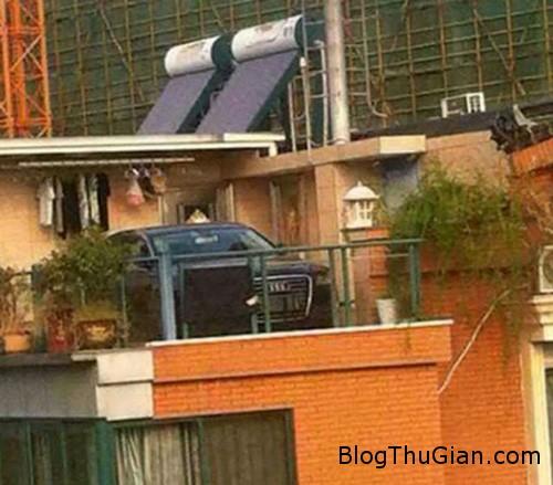 mother1 2498 1380703251 Mẹ vợ thuê cần cẩu cẩu xe con rể lên sân thượng vì tức giận