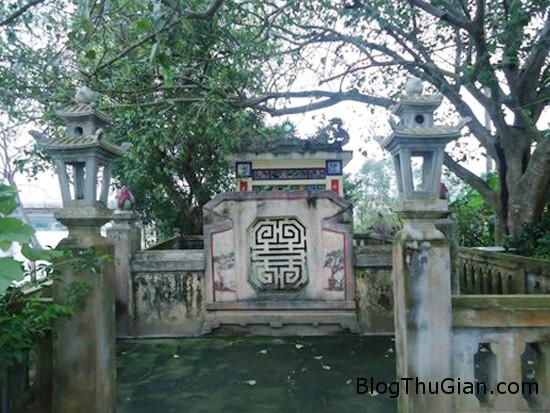 """phu nhan 2 1 6067 1390020529 Bức tượng linh thiêng được vua sắc phong """"Kỳ thạch phu nhân"""""""