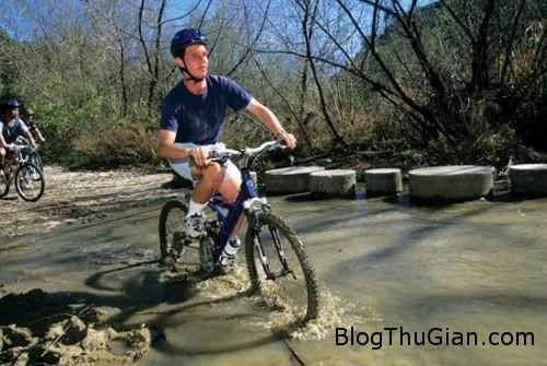 blind 707288 1371444807 600x0 Bị mù vẫn đi xe đạp, leo núi như người bình thường