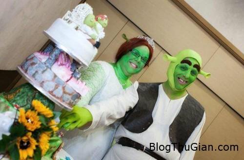 couple 156555 1368281503 600x0 Đám cưới được hóa trang giống phim hoạt hình