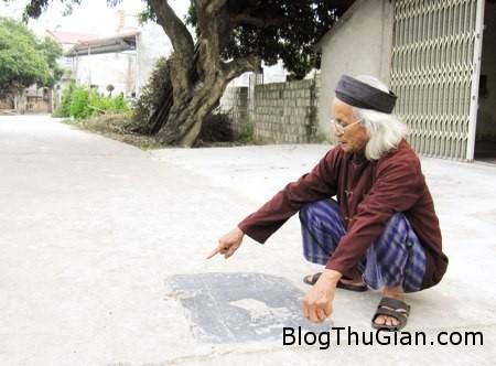 da 328900 1368273864 500x0 Hòn đá thiêng cả làng đều sợ