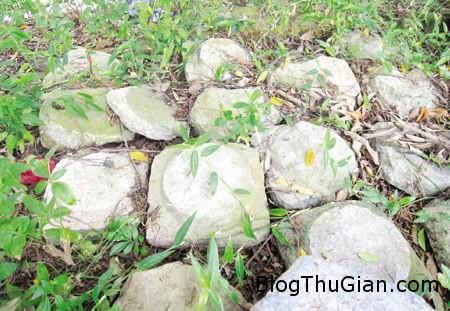 da2 705687 1368273865 500x0 Hòn đá thiêng cả làng đều sợ