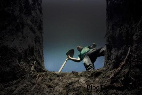 daomo 710091 1368257651 600x0 Đào xác cha đem về với hi vọng ông sẽ sống lại