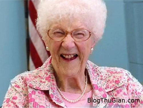lady 223577 1368297546 600x0 Cụ bà 105 tuổi thi đỗ bằng lái xe