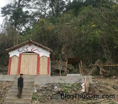 mieu 179502 1368276712 500x0 Ngôi miếu thờ 12 tên cướp ở Lạng Sơn
