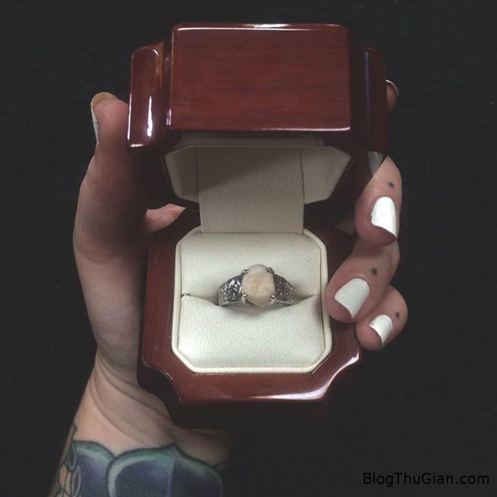 nhan cau hon lam turang khon Cầu hôn bằng chiếc nhẫn làm từ răng khôn