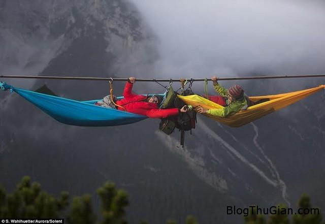 thach thuc than chet chenh venh ngu giua troi Treo võng ngủ chênh vênh trên độ cao hơn 50 mét