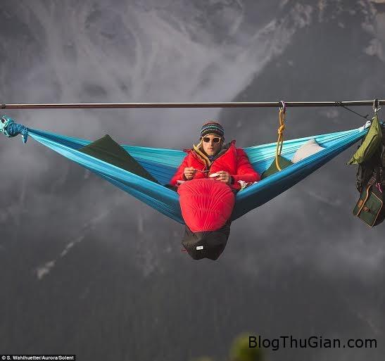 thach thuc than chet chenh venh ngu giua troi1 Treo võng ngủ chênh vênh trên độ cao hơn 50 mét