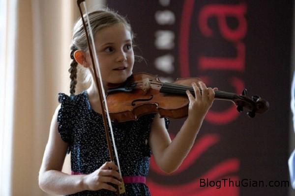 2295 Cô bé 10 tuổi có thể soạn được một vở nhạc opera