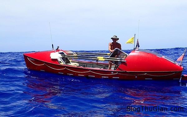 3154 Người đàn ông tự mình chèo thuyền vượt qua Thái Bình Dương