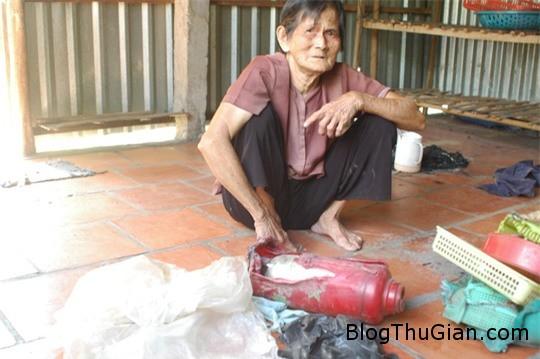 cu ba khon don vi do dac trong nha bong dung boc chay 2 Kỳ lạ nhiều đồ vật trong nhà bỗng dưng tự bốc cháy
