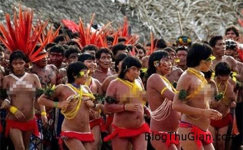 soc voi nghi thuc truong thanh cua gai trinh yanomami 4 Nghi thức trưởng thành vô cùng khắc nghiệt của thiếu nữ bộ tộc Yanomami