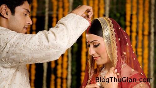 1456021164 1456019274 goa phu an do Doanh nhân giàu có mời 18.000 góa phụ đến dự đám cưới con trai