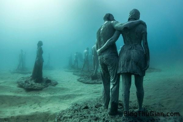 chuyen la co that bao tang duuoi day bien 2  14949 zoom Choáng ngợp với bảo tàng nghệ thuật dưới đáy biển