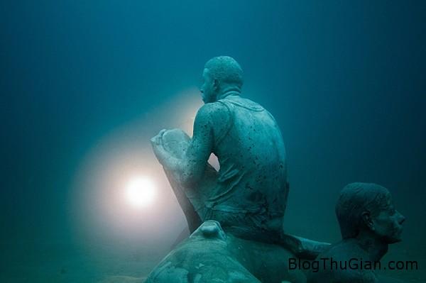 chuyen la co that bao tang duuoi day bien 3  25192 zoom Choáng ngợp với bảo tàng nghệ thuật dưới đáy biển