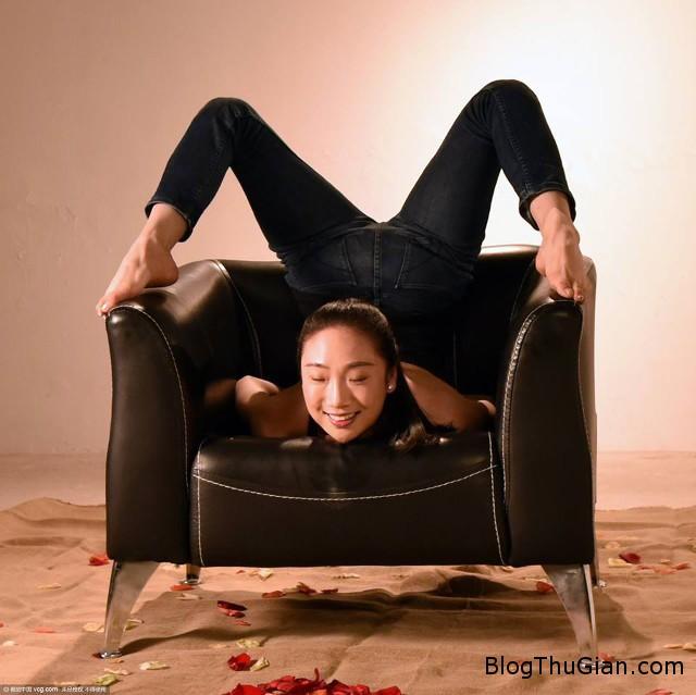 1456800789 1456797662 3 Nể phục với tài uốn dẻo của cô gái dẻo nhất Trung Quốc